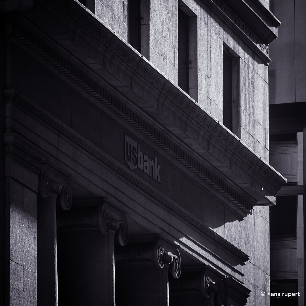 U.S. Bank Façade Detail