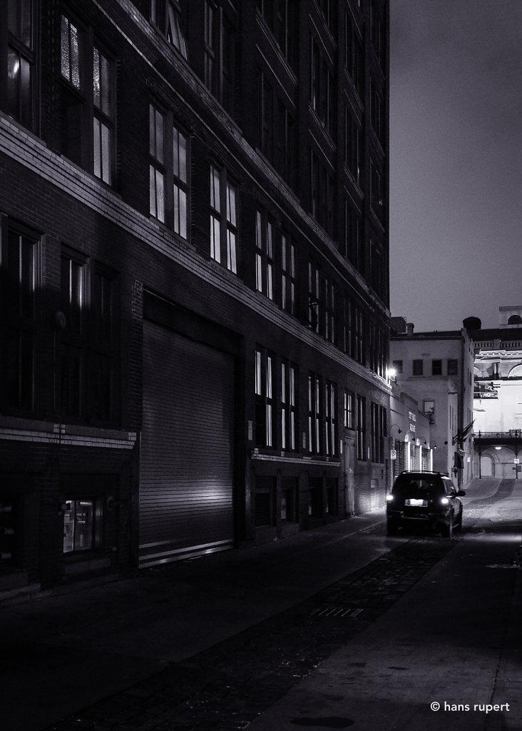 Milwaukee Alley Glow